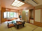 【栞の館】和室12畳(一例)/和のしつらえの中にも大正の瀟洒な洋館の趣が漂うモダンな雰囲気。