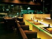 串・創作料理&ワイン 味寛は、大阪らしい味をアレンジした「なにわキュイジーヌ」他、料理人の豊かな感性を創作メニューに変えてお届けする、「おとなの隠れ家」レストランです。