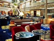 ティー&カクテル SATSUKI LOUNGE出会いのときを彩るアトリウムロビィで、くつろぎの空間とお飲み物をお楽しみください。