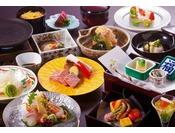 月替わりの特選会席コース。こちらのメニューをご希望の方は「五重塔が見えるお部屋で奈良を満喫~特選料理プラン~」プランをどうぞ。