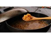 奈良の名物、茶粥の和定食。