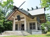 神明崎(五十鈴神社):応永年中、村毎に一社の天照大神を祀れとのことで創祀されたといわれています。