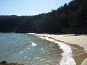 大島:陸中海岸国立公園にある離島で、きれいな海や星空など自然を満喫できます。気仙沼港から大島まではフェリーで約25分。