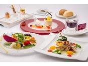 <洋食レストラン「エスカーレ」>沖縄ならではの素材も楽しめるオリジナリティ溢れるメニューの数々。おいしいワインとともにご堪能ください。(※写真はイメージ)