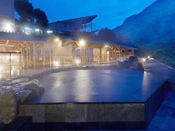 西日本最大級の露天風呂「翠明の湯」