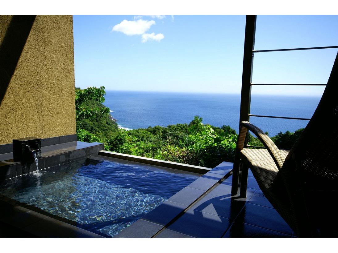 海の平屋棟:相模湾を望む源泉掛け流し露天風呂付き。24時間お好きな時に心行くまでお寛ぎ頂けます。