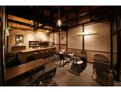 併設されているSAKAINOMA cafe。自家製ベーグルサンドやスイーツなどカフェオリジナルのメニューをご提供いたします。
