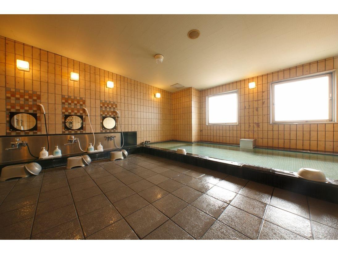 館内大浴場 広いお風呂でしっかり温まって下さい☆