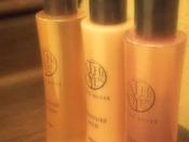 女性大浴場にはクレンジング・化粧水・乳液をご用意しております。