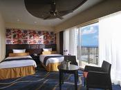 スーペリアツイン(36.7平米)客室は海、波、花、太陽など沖縄の自然をモチーフに。