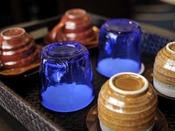 客室でのティータイムは琉球ガラス、やちむん(陶器)でどうぞ。沖縄の趣を感じながらお寛ぎください。