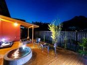 ■榛-hashiba-■ 由布岳を望む離れ特別室。内湯・露天風呂が2ヶ所。快適さと和の心地よさを併せ持つ。