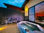 ■客室露天風呂■湯布院の風を感じながら愉しむ、全室離れの露天風呂