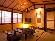 神代けやきを使用したシックな造りのスタンダード客室。木の温もりを十分にご堪能して頂けます。