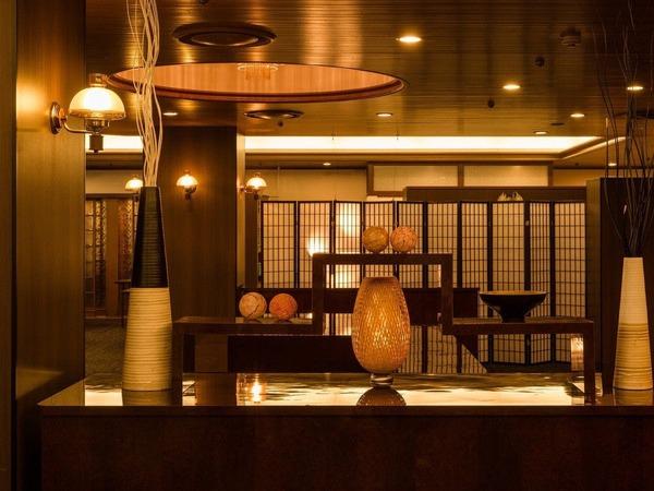 季節の味をご賞味下さい:本館レストラン