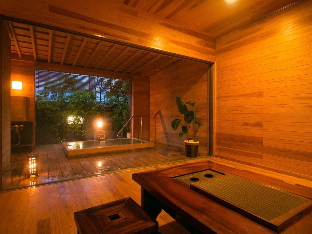 """◆桧-hinoki-◆和風【貸切半露天風呂】には、""""リビング""""と""""桧風呂""""をご用意"""