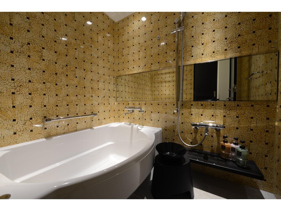 【スタンダード/バスルーム】ダブルルームのお部屋以外は、全てバスルーム、トイレが別となっておりますので、ご家族連れにはお勧めです。