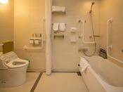 【ユニットバスイメージ】ユニバーサルルームに設けられているバスルームです
