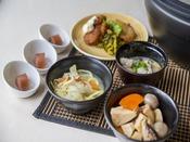 【朝食イメージ】博多の朝の定番、明太子やがめ煮など郷土食豊かな和食の数々