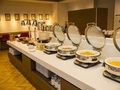 【朝食会場:スパッチオ】温かいものは温かく。保温機能の整った設備でいつでも美味しく