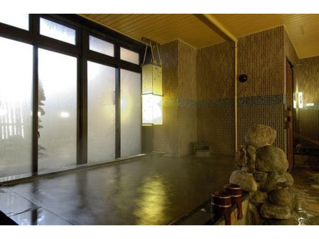 【大浴場】『男性内湯』大浴場は15時から翌朝9時まで夜通しご利用頂けます。