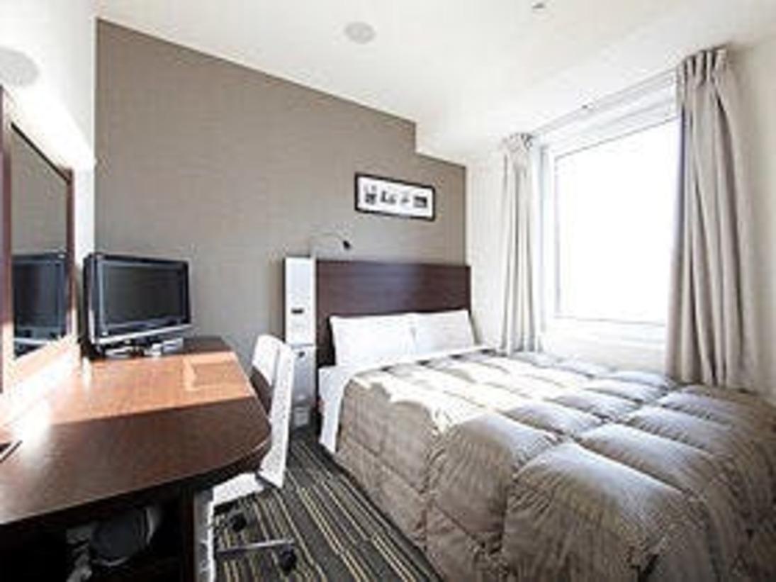 ダブルエコノミー■140cm幅ワイドベッドでぐっすり就寝!ビジネスにもレジャーにもお使いいただけます。