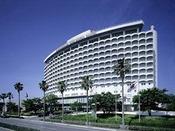 鹿児島サンロイヤルホテルの外観です。