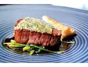 メイン料理・信州牛ヒレ肉のポワレ、わさび風味