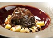 猪肉のロールキャベツ じっくり赤ワイン煮込み