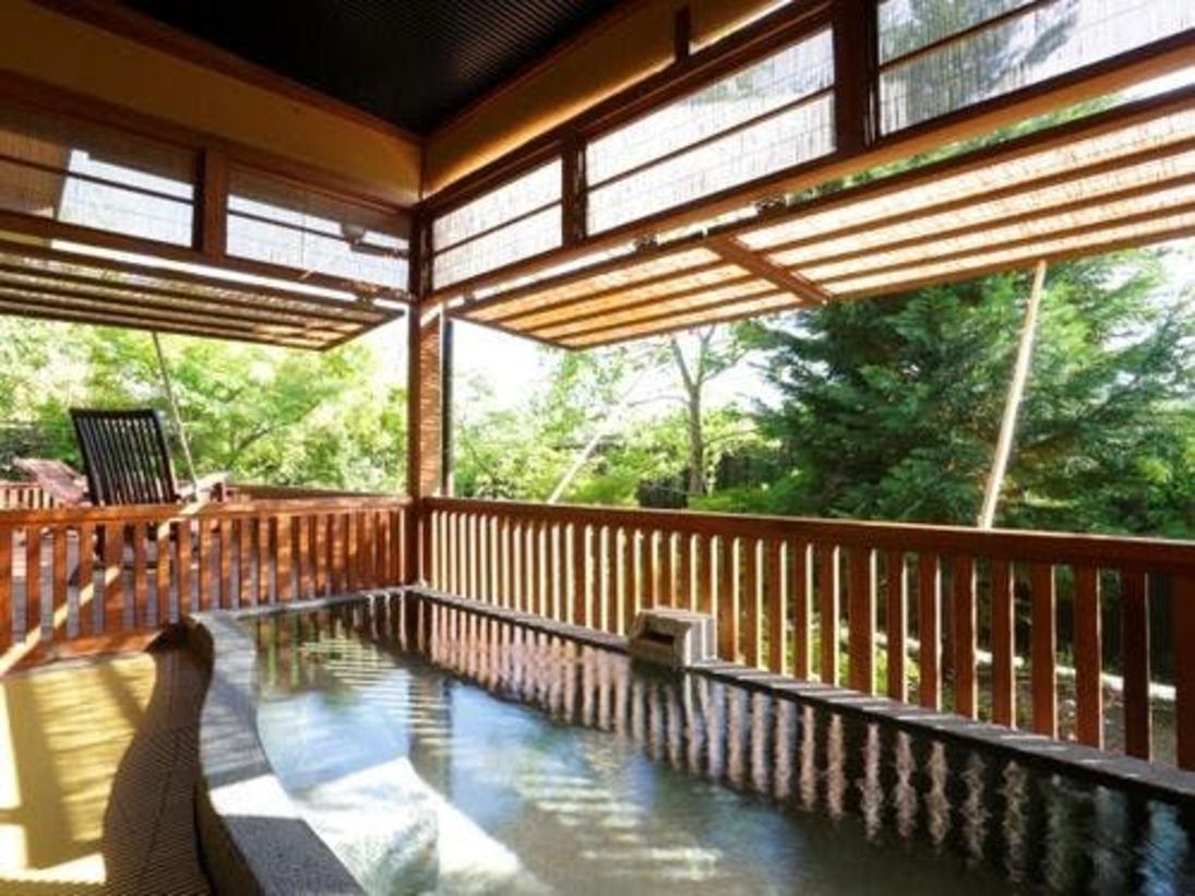 24時間夕日ヶ浦温泉を楽しめる客室の露天風呂