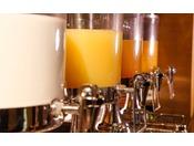 ご朝食は約40種類もの和洋メニューをお召し上がりいただくバイキングを≪朝食バイキングイメージ≫
