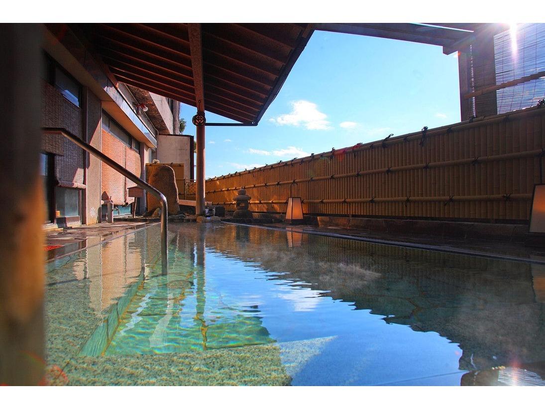 【大浴場 芭蕉の湯 露天風呂】2本の自家源泉所有。自慢の温泉を2つの露天風呂で満喫してください。