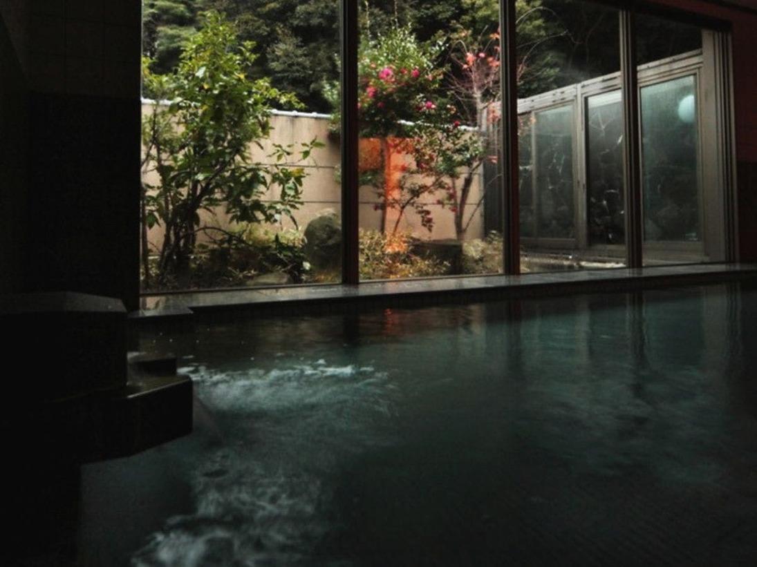 <大浴場>ミネラル豊富な天然温泉です。