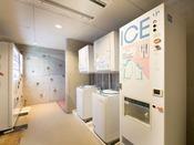 自動販売機コーナー(4F) 製氷機・コインランドリーもございます。
