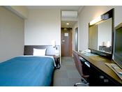 コンフォートシングルルーム★12.5平米・ベッド幅140 ワンランク上のお部屋で快適にお過ごし頂けます
