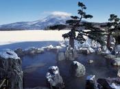 【庭園露天風呂「鹿泉の湯」】※冬イメージ