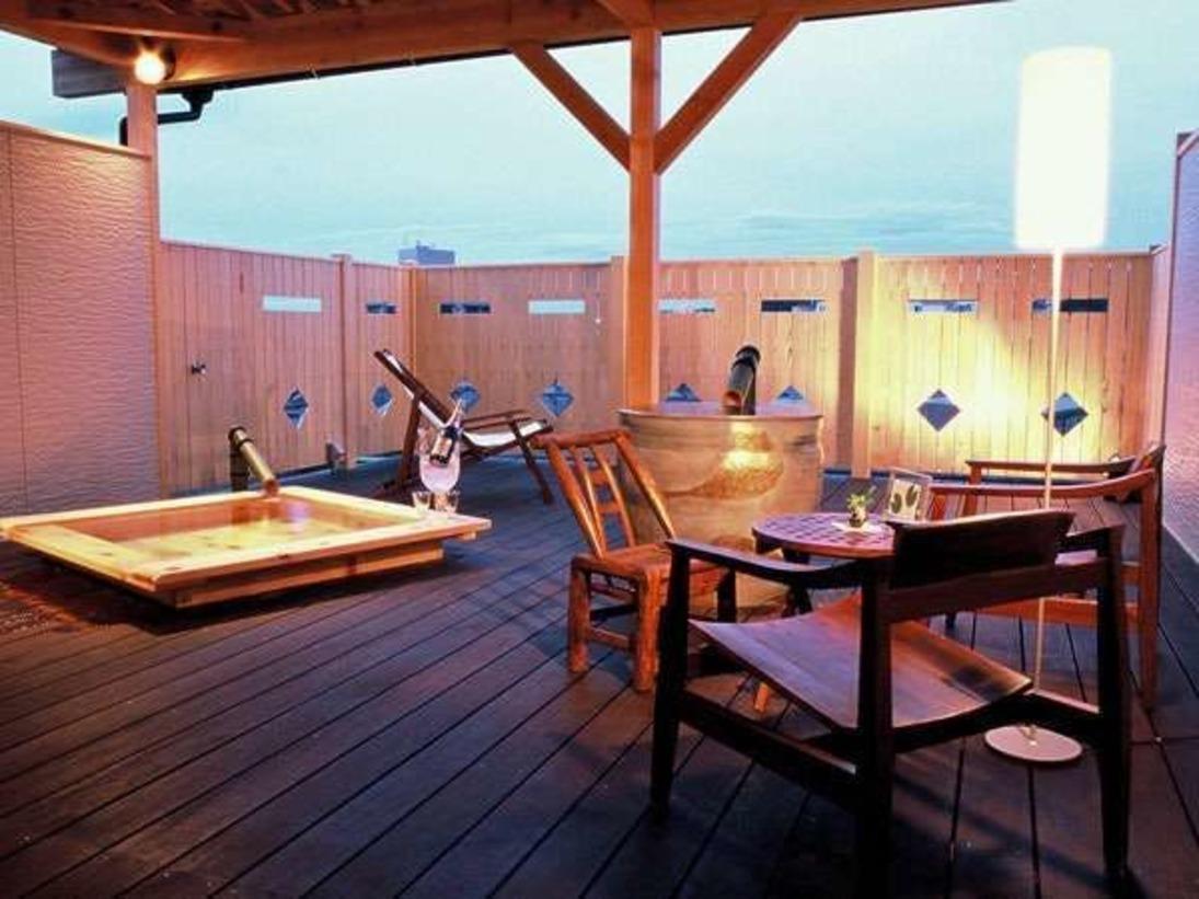 あなただけの贅沢な空間。露天風呂ふたつ付き客室。