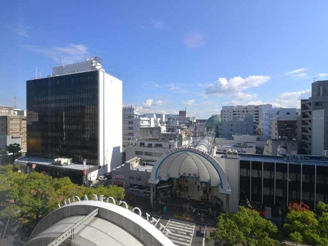 *お部屋からの景観/高松エリアの中心に位置する当ホテル。活気ある高松市の眺望をご覧いただけます。