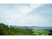 ホテルの風車は年間で計算をすると一般家庭の1,200世帯分の消費量に相当する発電力を持ちます