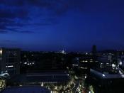 熊本の夜景の中に、熊本城のライトアップもご覧いただけます。