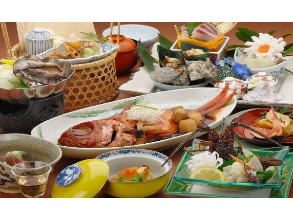 伊勢海老鮑金目鯛の煮付けが付いた会席料理
