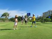 【パターゴルフ(全18ホール)】三世代で楽しめるパターゴルフ。朝夕の日差しの優しい時間帯がおすすめです。