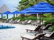 【プール】ビーチパラソル&ビーチチェア宿泊者のお客様は無料でご利用いただけます。ご自由にお使いください。