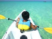 【カヤック】宮古島の澄み切った海を満喫!1人乗り用、2人乗り用がございます。初めての方にはスタッフが乗り方をご指導いたします。