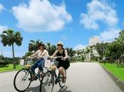 【レンタサイクル】宮古島の魅力は海だけではありません。レンタサイクルで爽やかな風を感じながら、宮古島の自然を満喫するのもおすすめです。※幼児用補助椅子・ヘルメット貸出し有
