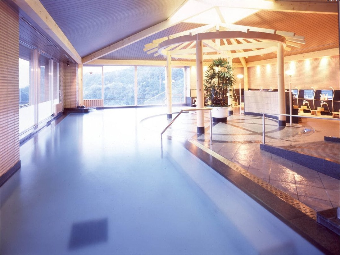 地上7階にある、展望大浴場は昼神温泉随一です。※画像は男湯。