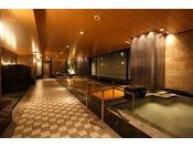 スパトリニテ京都らしい和のテイストを取り入れた五感を癒すペントハウススパ。地下より湧き出る天然の温泉は、心と体のリフレッシュに最適です