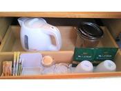 収納備品各種(お茶/ドリップコーヒー/グラス/コーヒーカップ等)