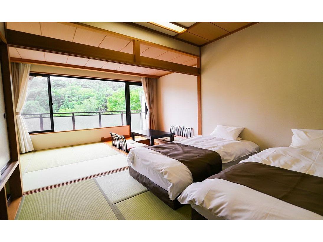 大浴場からも程近く、落ち着いた純和風和室。二間続きのお部屋ですので、グループやご家族でのご利用にぴったりです。室内には掘りごたつがあり、のんびりとお寛ぎ頂けます。