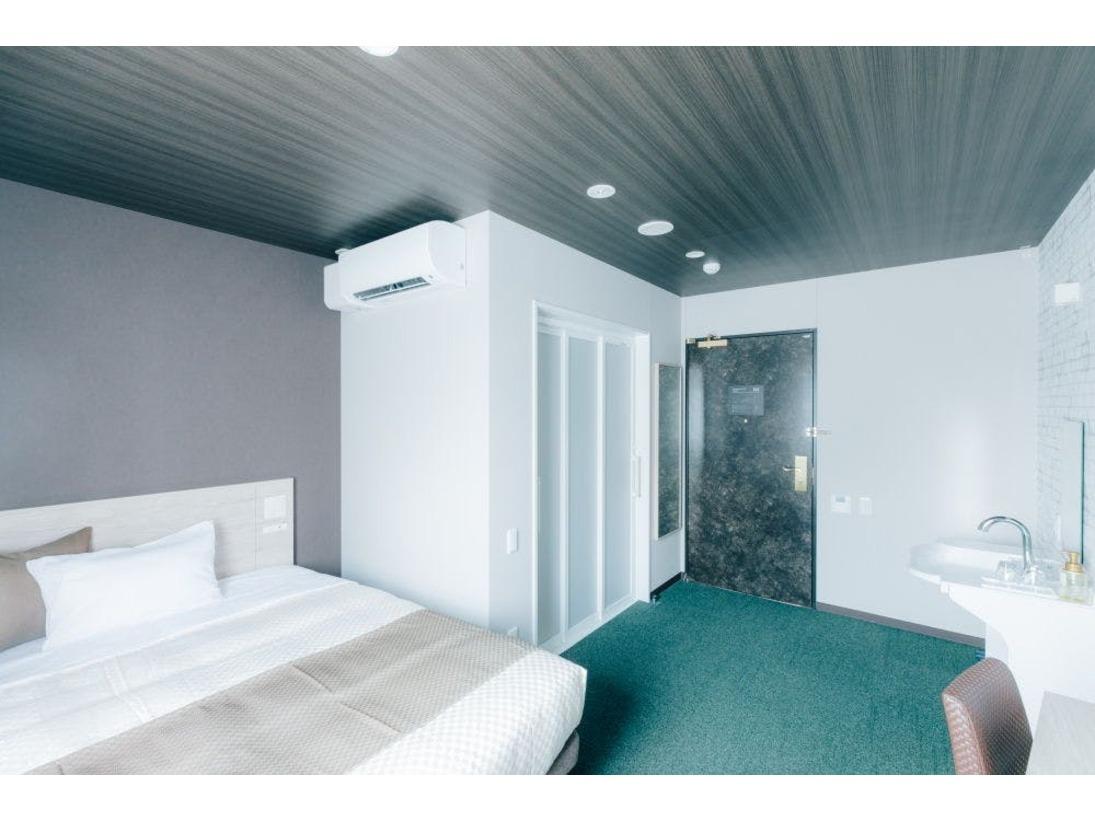 禁煙タイプのバリアフリータイプのお部屋となり、1階にございます。【14平米 ベッド幅140cm】